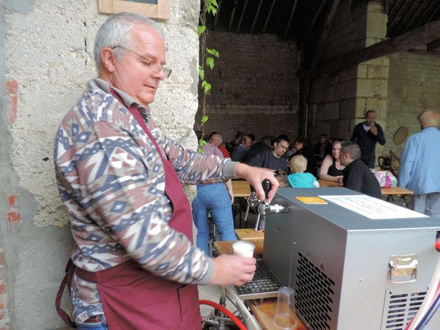 Bière 1625 au marché d'Avaux