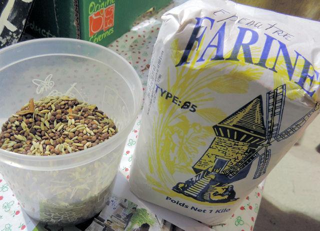 Lentille et farine bio au marché d'Avaux