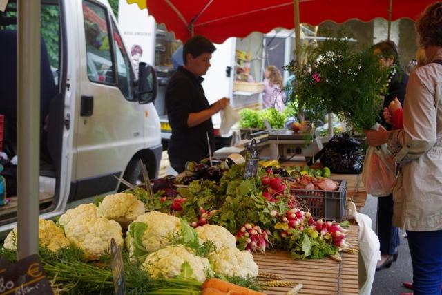 Marché des producteurs à Avaux Ardennes